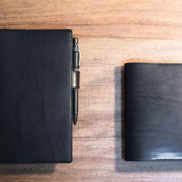 黒のほぼ日手帳カバー