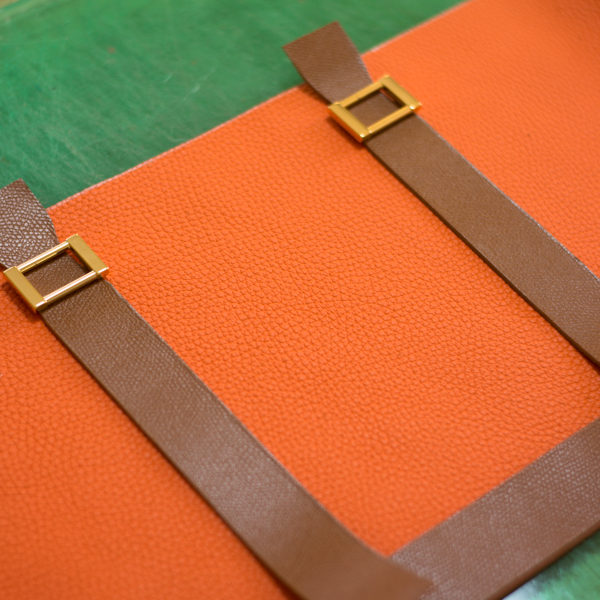 エルメスオレンジのバッグ製作中です。