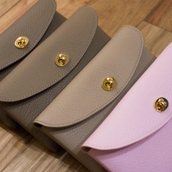 やわらかレザーフラップ長財布の新色ができました。